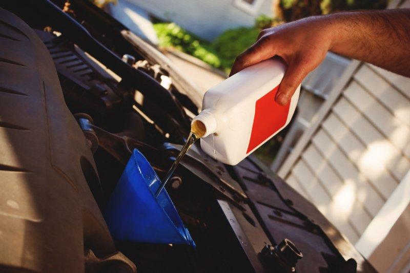 Как правильно подобрать моторное масло для авто